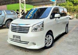 Toyota Noah 2.0 ปี 2007