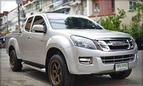 2015 Isuzu V-CROSS pickup
