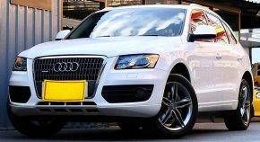 2010 Audi Q5 TFSI quattro รถเก๋ง 4 ประตู