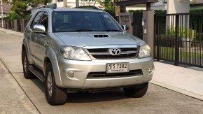 Toyota Fortuner 3.0 V 2007 รถมือสองราคาถูก