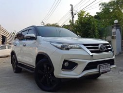 2016 Toyota Fortuner 2.8 TRD Sportivo 4WD SUV  รถมือสอง