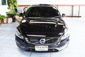 2016 Volvo V60 T4F  รถยนต์ Sport Wagon