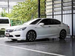 2014 Honda ACCORD 2.0 Hybrid TECH i-VTEC รถเก๋ง 4 ประตู