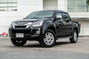 ISUZU D-MAX 2017 CAB4 Power Hilander Navi Z DDI 1.9 Z AT สีดำ