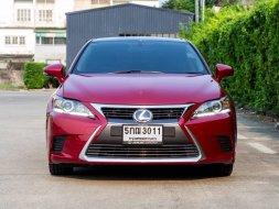 Lexus Ct-200 Luxury  Minor change ปี 2016