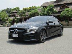 2016 Mercedes-Benz 180 รถเก๋ง 4 ประตู
