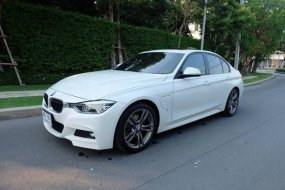2017 SERIES 3 BMW 330e M Sport สีขาว