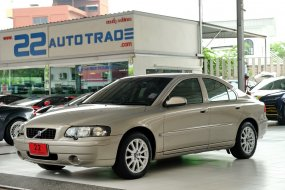 รถเก๋งมือสอง รถยนต์มือสอง รถบ้าน รถเก๋ง4ประตู Volvo S60  พร้อมใช้ วิ่งน้อย