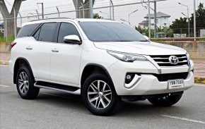 Toyota Fortuner ขอดูรูปภาพเพิ่มเติม แอดไลน์ได้เลยครัช