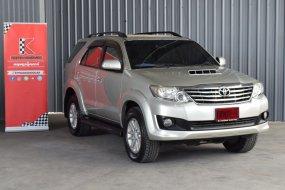 2013 Toyota Fortuner 3.0 V 4WD SUV รถสภาพดี มีประกัน